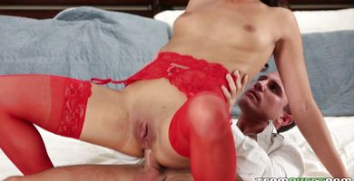 Voracious babe Taylor May gets her meaty booty pounded with vigor